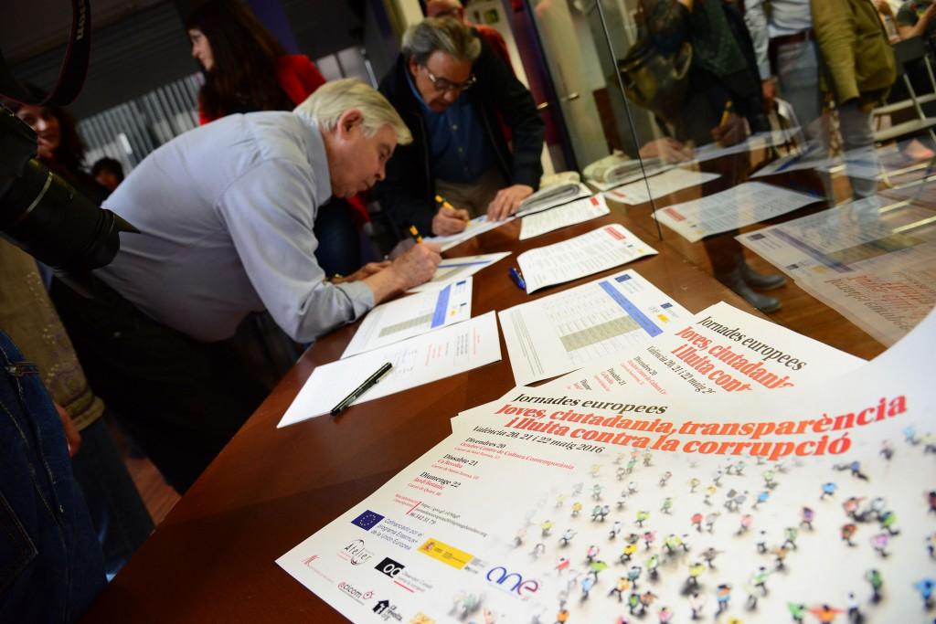 """20/05/2016. València, Octubre CCC.Jornades Europees """"Joves, Ciutadania, Transparència i lluita contra la corrupció"""" a València. Ambient previ, inscripcions...Fotos: PRATS i CAMPS"""