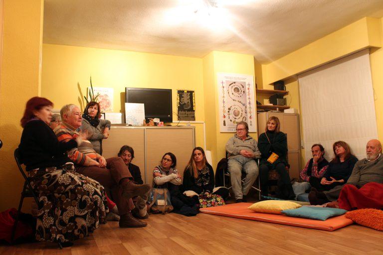 Pasamos el documental «Amanecerá y veremos» y conversamos en la Fundación Terapia Reencuentro