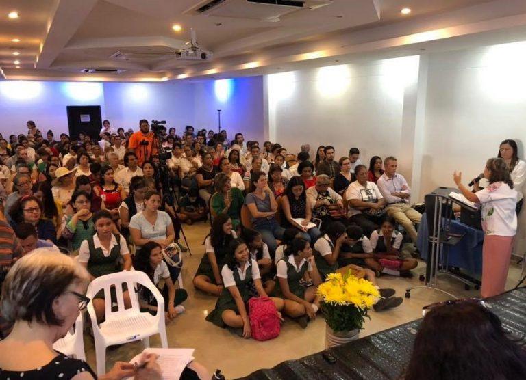 Delegación de organizaciones valencianas asiste a la inauguración de la primera Casa de la Memoria y los DD.HH. de las mujeres en Colombia